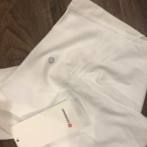 Lululemon white wunder under HR crop